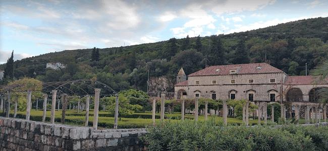 historical building Dubrovnik marina