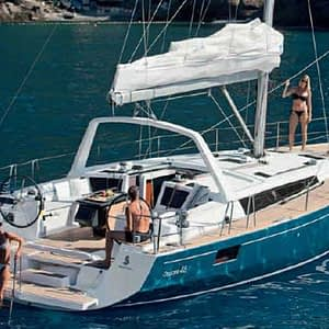 RYA Private Yacht Training – Family / Friends (Learn To Sail for Up to 5 People)